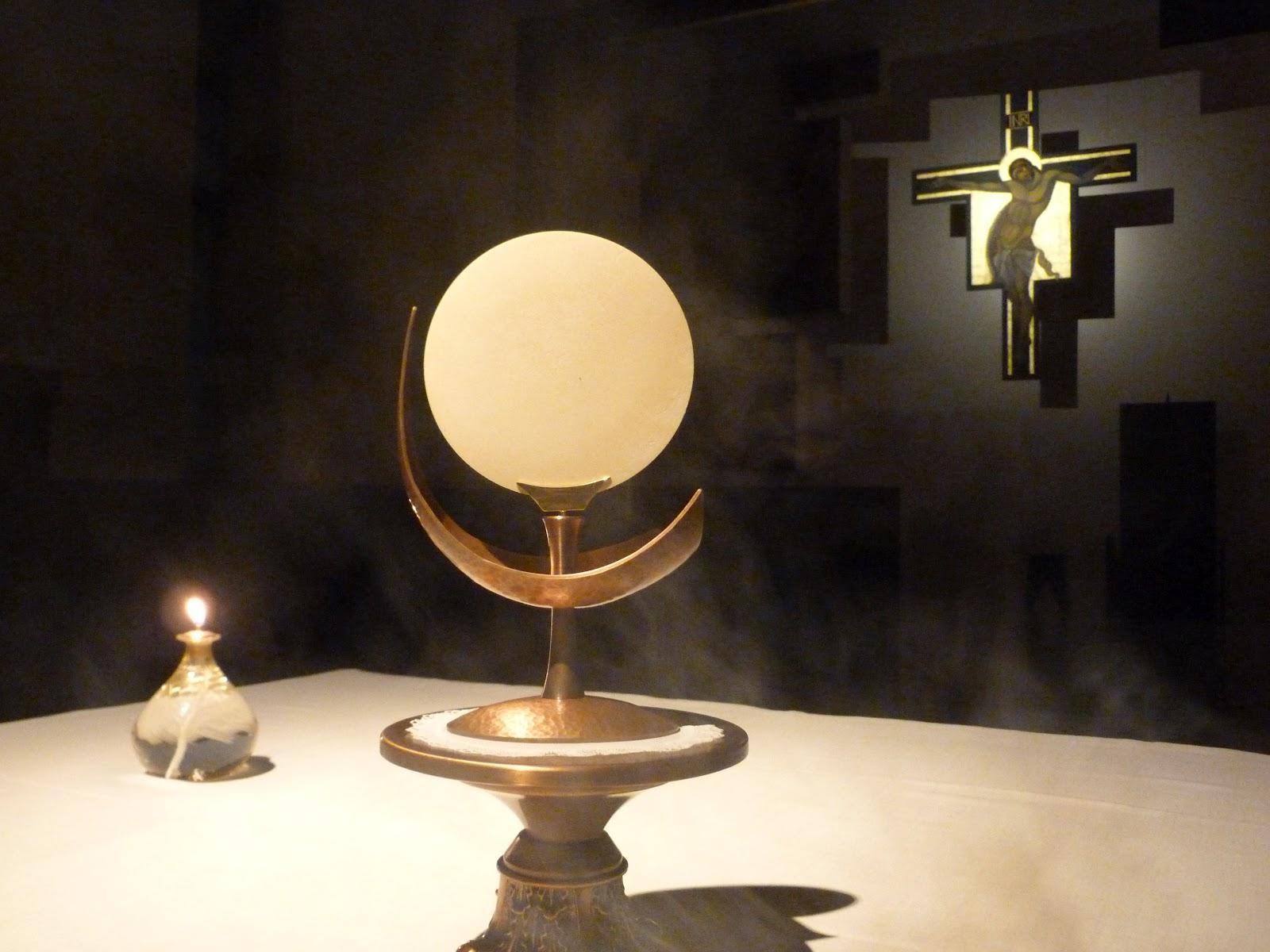 Esposizione e benedizione eucaristica